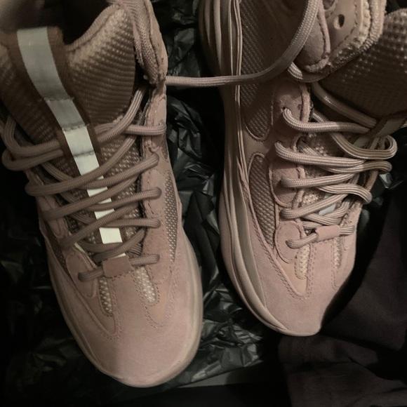 Yeezy Shoes   Boots Size 7   Poshmark